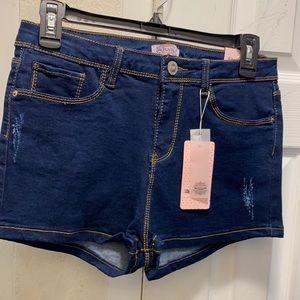 Raw jean shorts
